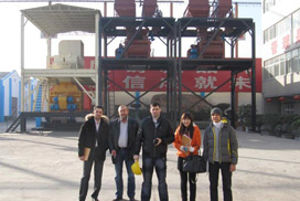 Customers From Russia Visit Our Factory