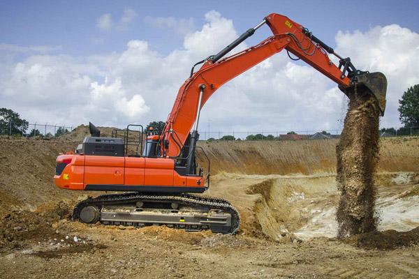6 ton digger